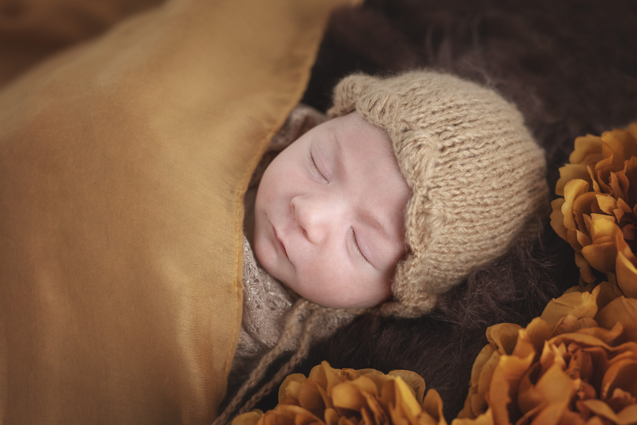 photo artistique nouveau-né bébé fleurs drap garçon lot-et-garonne marmande tonneins virazeil