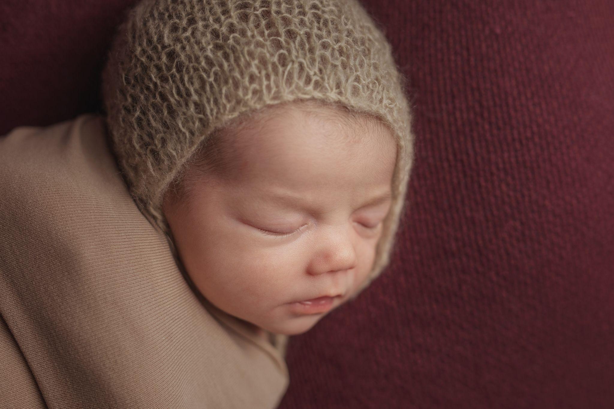 photo artistique nouveau-né bébé rouge marron lot-et-garonne marmande tonneins virazeil
